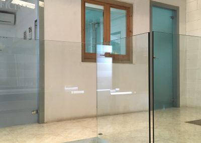 Baranda vidrio escalera
