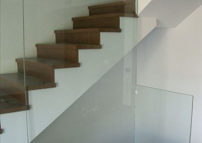 Baranda de vidrio escaleras