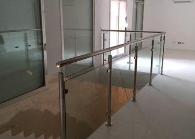 Baranda cristal escalera