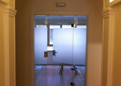 Puerta de vidrio